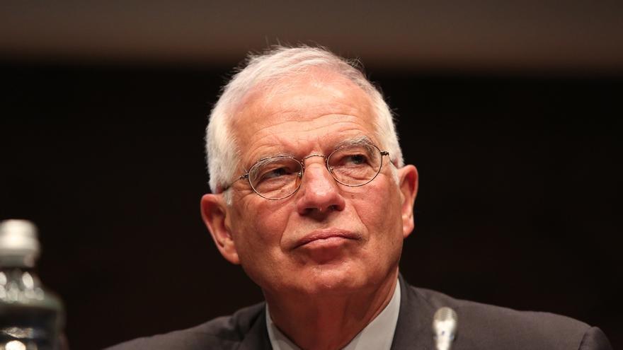 Borrell se declara poco amigo de prohibiciones y dice que lo importante es que la estelada no ondee en Ayuntamientos