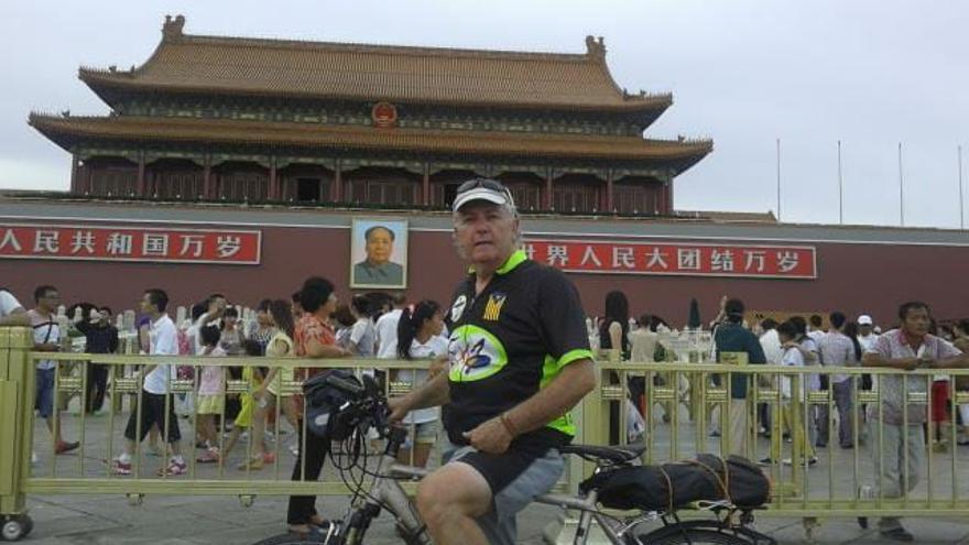 Xavier Corominas, en uno de sus viajes a China.