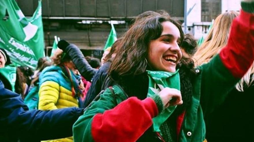 Ofelia Fernández, la diputada más joven de la historia de Argentina, durante una manifestación por la despenalización del aborto