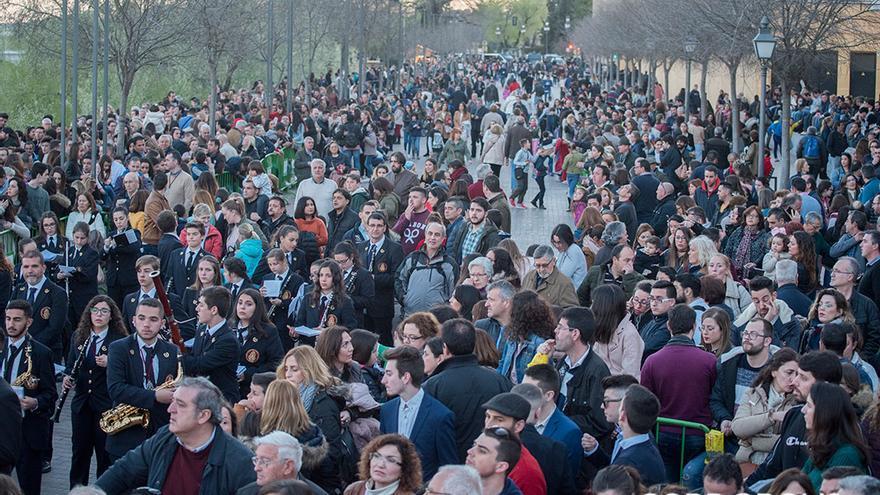 Una marea de público en la carrera oficial de este año   TONI BLANCO