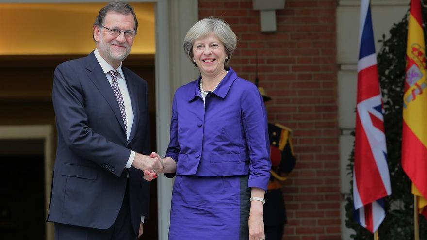 El presidente del Gobierno Mariano Rajoy y la primera ministra británica Theresa May