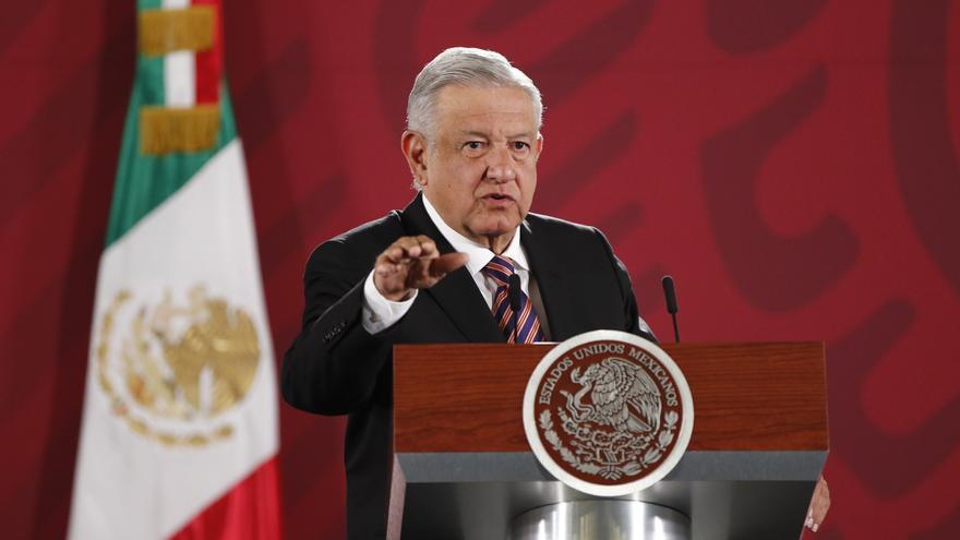 """López Obrador denuncia un """"atentado a la democracia"""" del Instituto Electoral"""