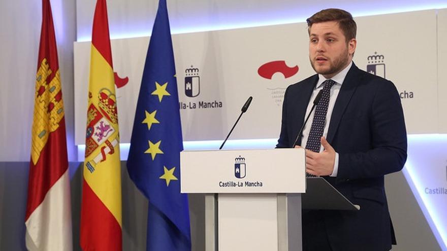 """C-LM tacha de """"mentira"""" que Rajoy se reúna con presidentes regionales y dice que Cospedal le prohíbe recibir a Page"""