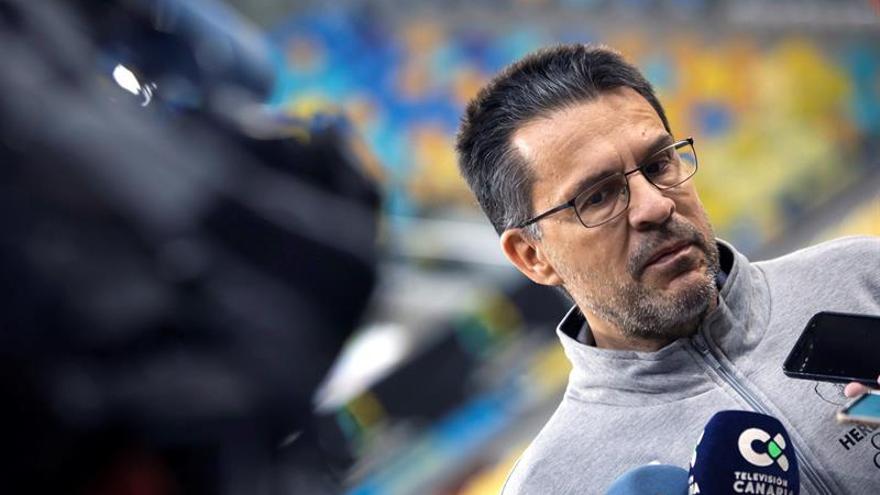 El entrenador del Herbalife Gran Canaria, Pedro Martínez. EFE/Quique Curbelo