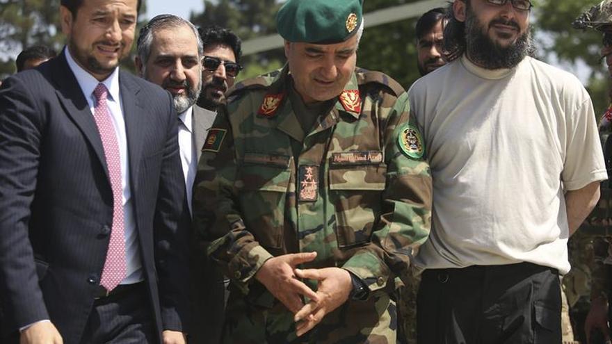 El ministro de Defensa y el jefe del Ejército afganos dimiten tras el ataque a una base militar