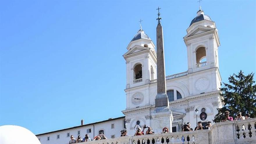 Roma pide civismo para la recién restaurada escalinata de la Plaza de España