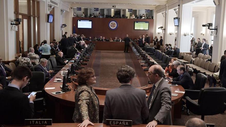 Venezuela necesitaría dos años y pagar una deuda de 8,7 millones de dólares para dejar la OEA