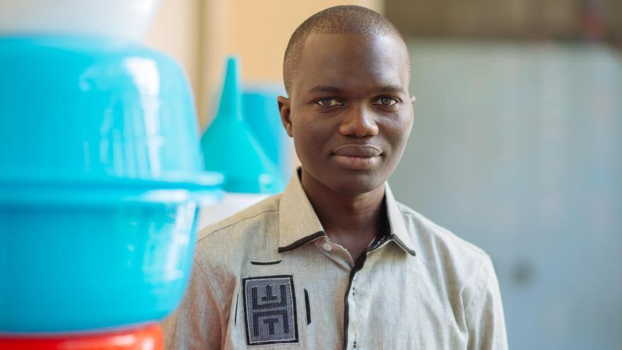 Donat Tendeng, licenciado en Filología Hispánica por la Universidad de Dakar y líder del proyecto de Ecoturismo en Senegal.