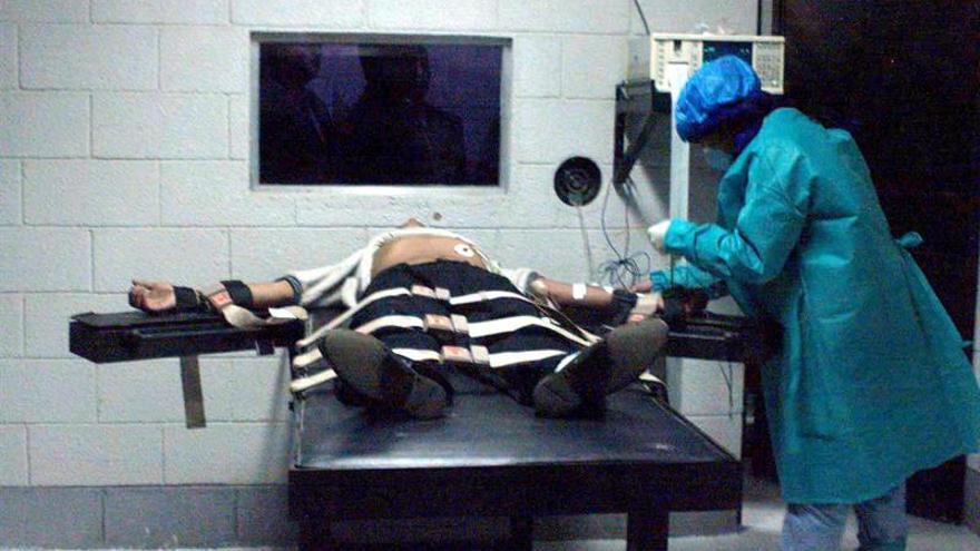 Varias ejecuciones suspendidas evitan una jornada negra de la pena de muerte en EE.UU.