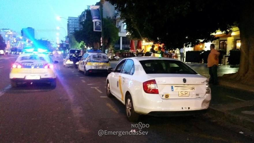 La Policía Local denuncia a cinco taxistas por cobros abusivos en trayectos desde el aeropuerto