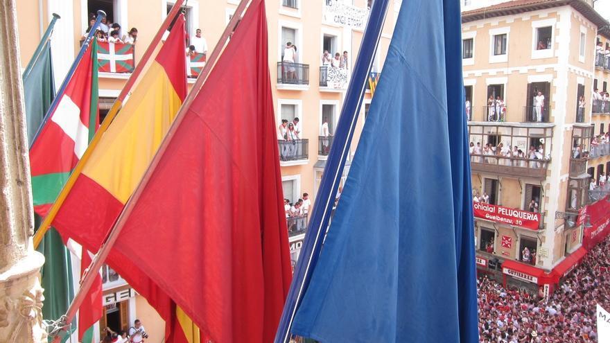 El Ayuntamiento de Pamplona rechaza una declaración de UPN contra la colocación de la ikurriña en el chupinazo