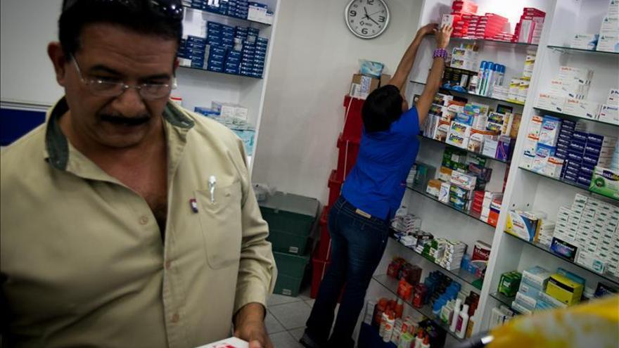 Conseguir medicamentos, una odisea para muchos venezolanos