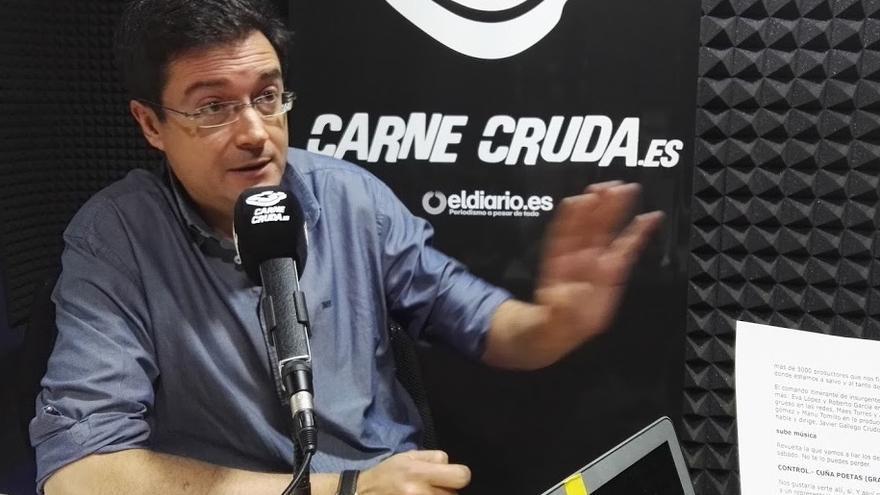 Óscar López en Carne Cruda