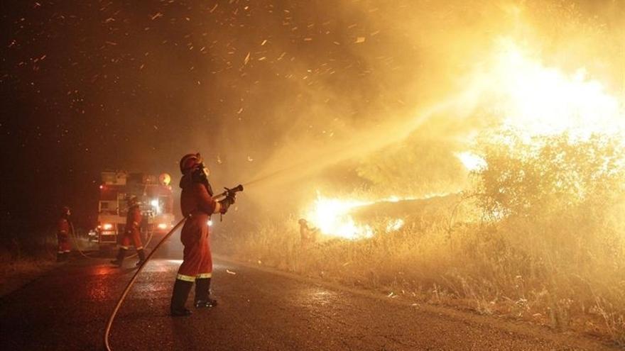 Imagen del incendio que se originó en Almorox / EUROPA PRESS-UME