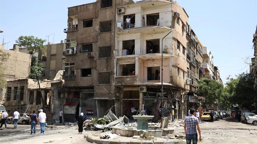 El Ejército sirio anuncia el cese de hostilidades en varias zonas cerca de Damasco