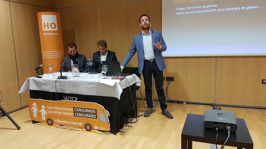 Agustín Laje y Nicolás Márquez en la charla celebrada en Zaragoza