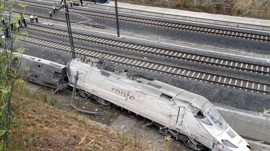 Trece heridos del accidente de tren en estado crítico, entre ellos un niño