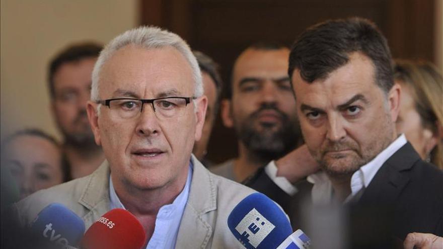PSOE e IU llegan a un acuerdo en Andalucía