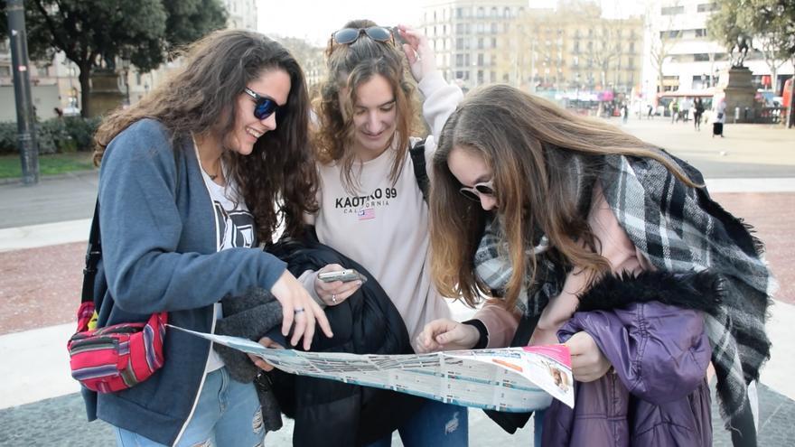 Una gimcana amb mòbils empeny a descobrir diverses ciutats a milers d'estudiants