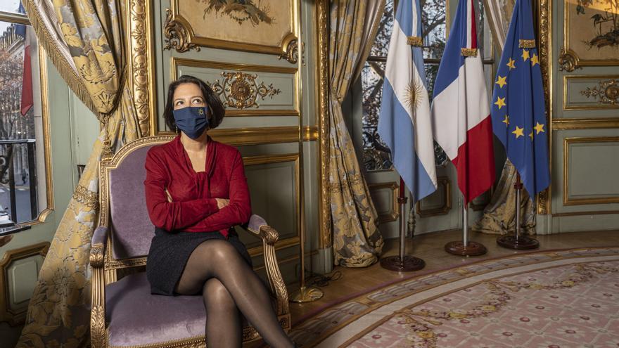 Claudia Scherer-Effosse, embajadora de Francia, en la sede de la delegación, el Palacio Ortiz Basualdo.