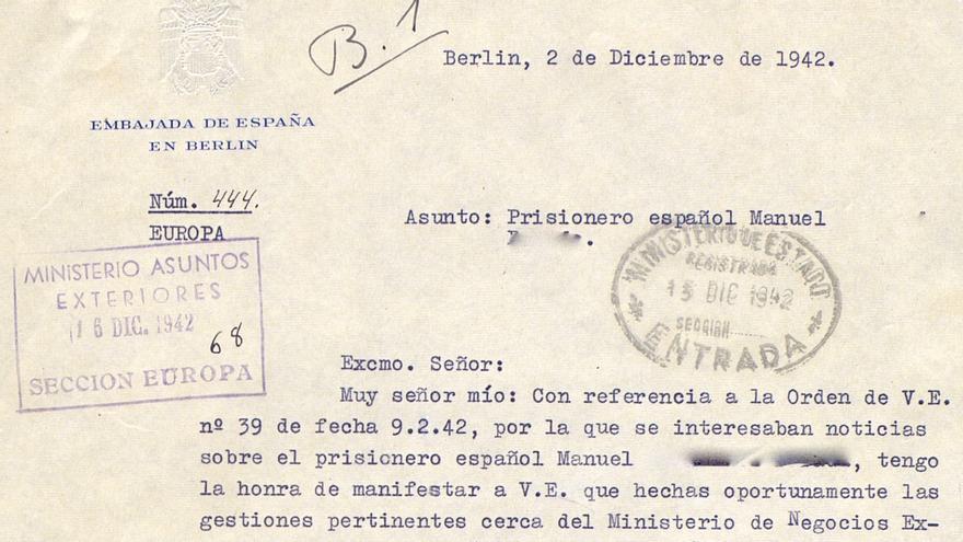 Respuesta a la petición de libertad de un prisionero español en la que se comunica que ha fallecido en Mauthausen