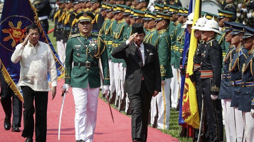 La cumbre de la ASEAN debatirá la integración con las grandes economías de Asia