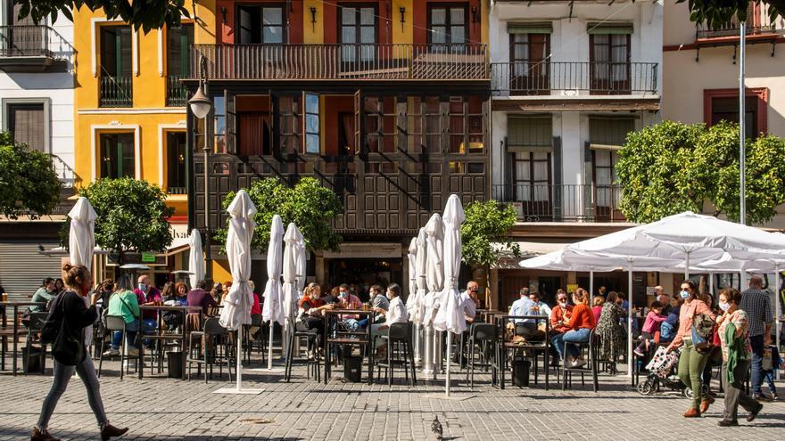 El casco antiguo de Sevilla: su despoblamiento y conversión en parque temático de ocio y turismo