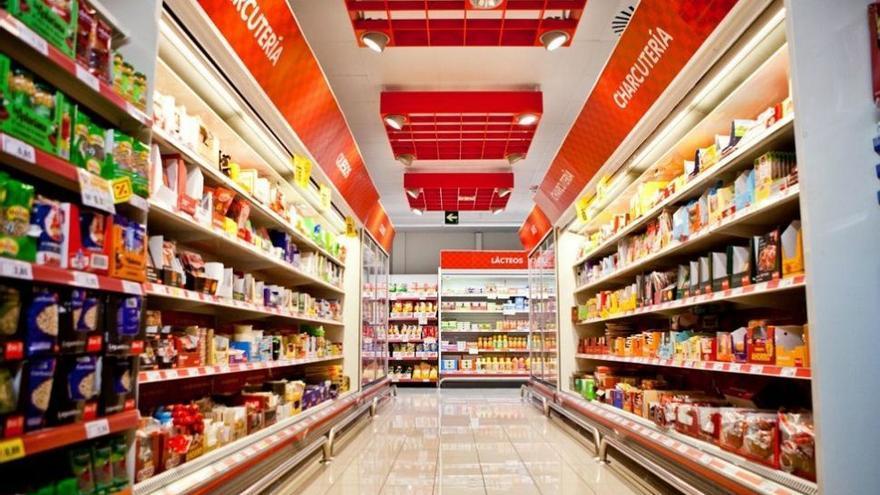 Interior de un supermercado de la cadena DIA