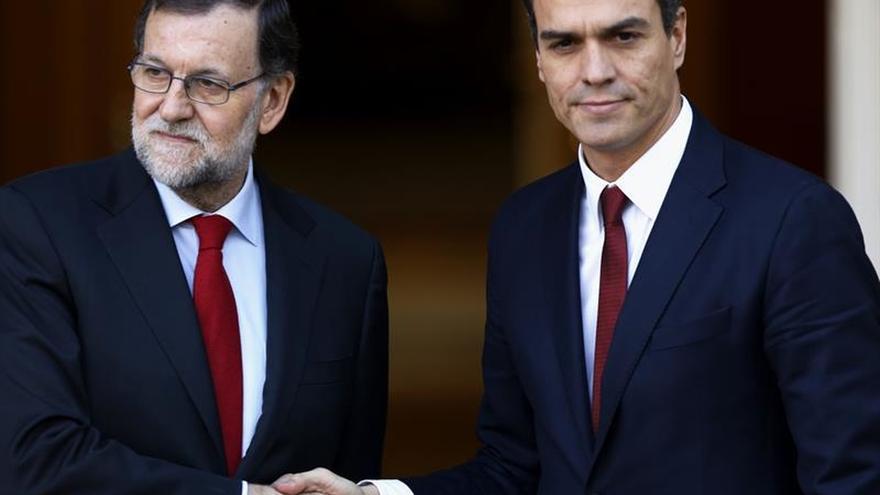 Rajoy y Sánchez se reúnen mañana con el desafío del 1-O sobre la mesa