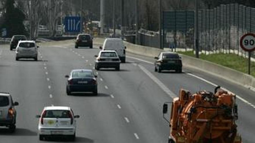 La DGT prevé quitar el carné a 100.000 conductores en 2010