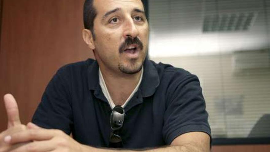 El cabeza de lista de 'Podemos desde abajo' Eloy Cuadra.