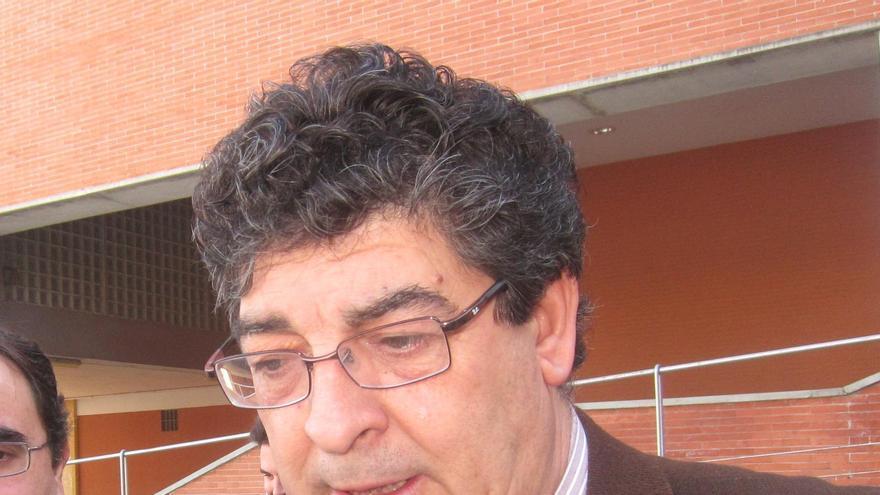 """Valderas afirma que el """"mundo no se va a caer"""" si Andalucía no cumple el déficit"""