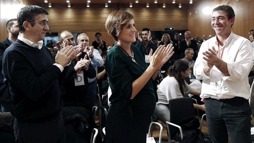 La senadora María Chivite, elegida secretaria general del PSN-PSOE