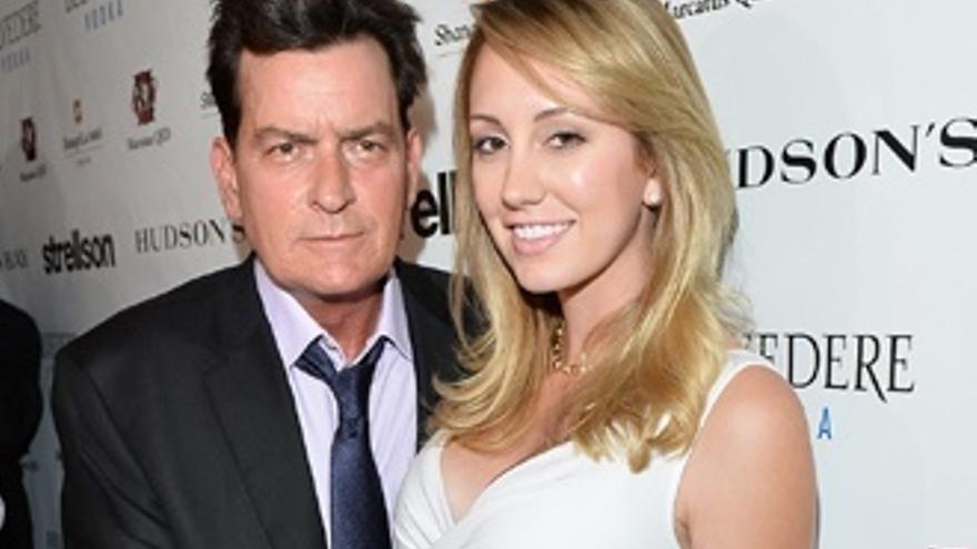 Charlie Sheen, denunciado por supuestas amenazas de muerte a su expareja