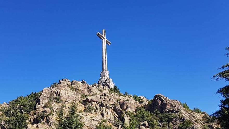 La cruz de 150 metros corona el Valle de los Caídos.