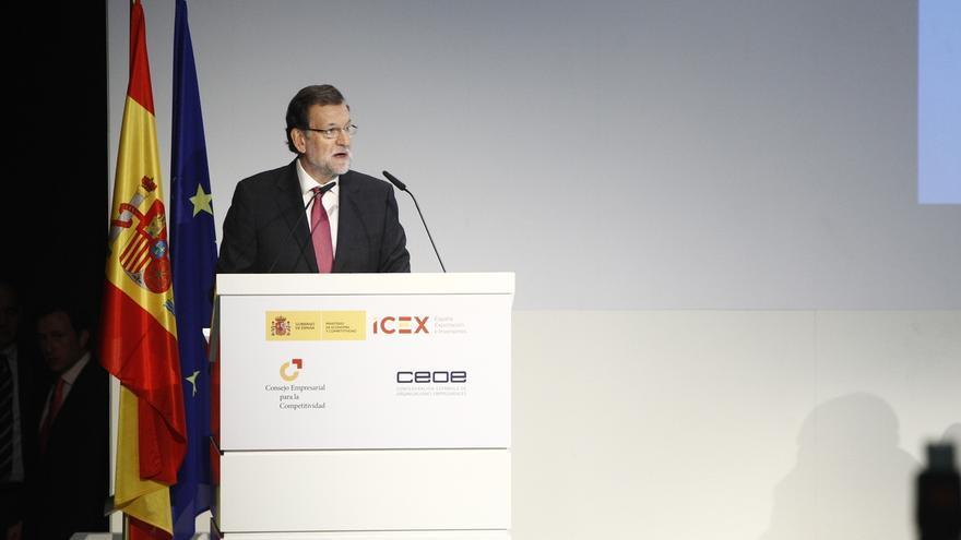 """Rajoy defiende sus reformas frente al rupturismo de Podemos y las """"ocurrencias"""" y la """"desorientación"""" de Sánchez"""