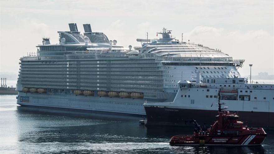 Un muerto y cuatro heridos por un accidente en el mayor crucero del mundo