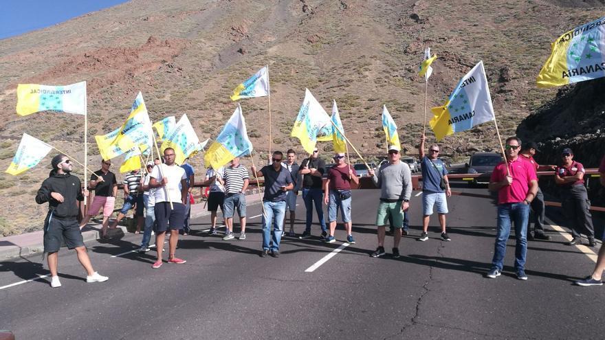 Concentración de trabajadores, este domingo muy cerca de las instalaciones de Teleférico del Teide