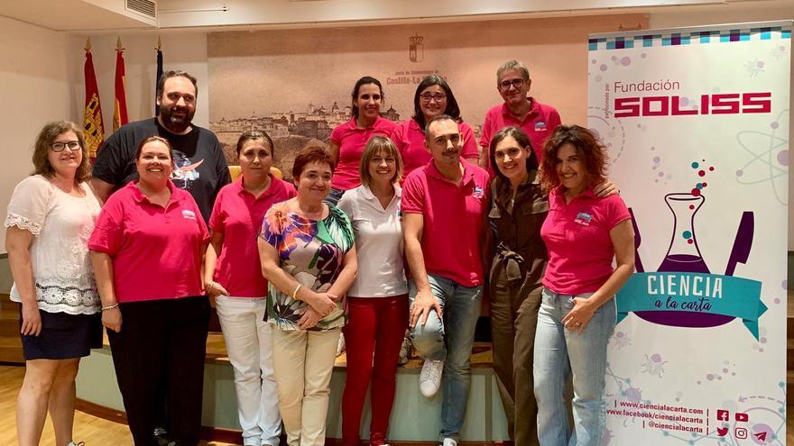 Boticaria García con el equipo de Ciencia a la Carta