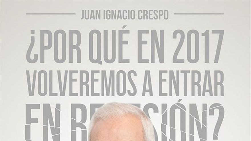 Juan Ignacio Crespo con la portada de su libro al fondo.