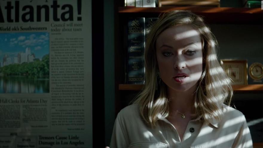 La actriz Olivia Wilde interpretando a la periodista Kathy Scruggs en la película 'Richard Jewell'.