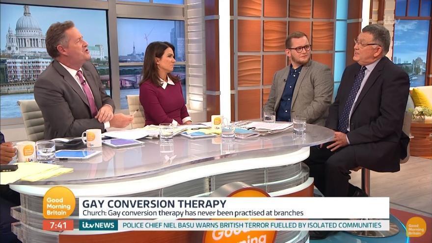 """Programa Good Morning Britain con el invitado Mike Davidson, a la derecha, que afirma que puede """"curar"""" la homosexualidad."""