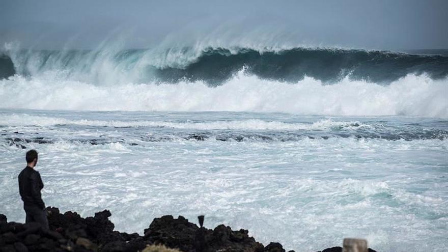 Fuerte oleaje en la costa de Lanzarote