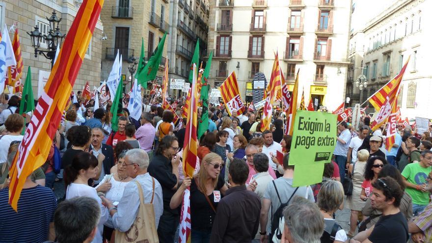 Un juez obliga a la Generalitat a devolver a funcionarios una parte de la paga extra de 2012