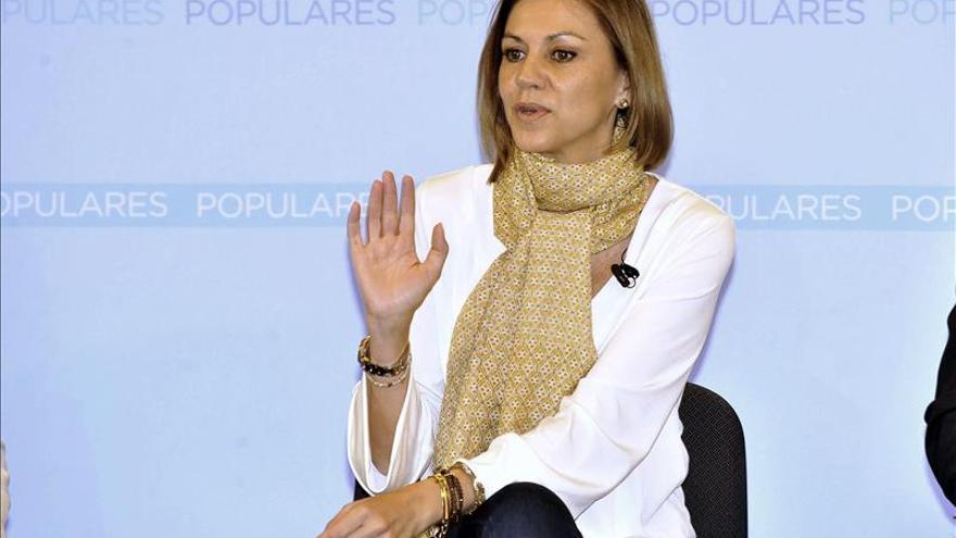 """Cospedal afirma que Aguirre ha hecho """"muy bien"""" al acudir a la Fiscalía"""
