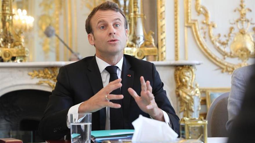 Macron analiza con Rohaní cómo restablecer el diálogo sobre el tema nuclear