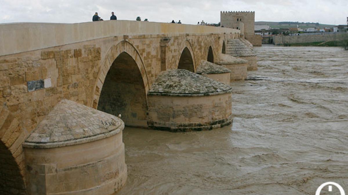 El Guadalquivir a su paso por el Puente Romano