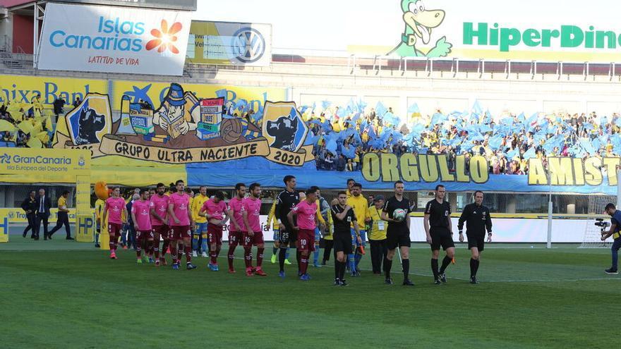 """La Liga ha destacado que el resto de aficionados locales presentes en el estadio de Gran Canaria mantuvieron """"un comportamiento adecuado""""."""