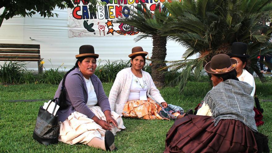 Participantes de la Cumbre de los Pueblos frente al Cambio Climático. / Orlan Cazorla