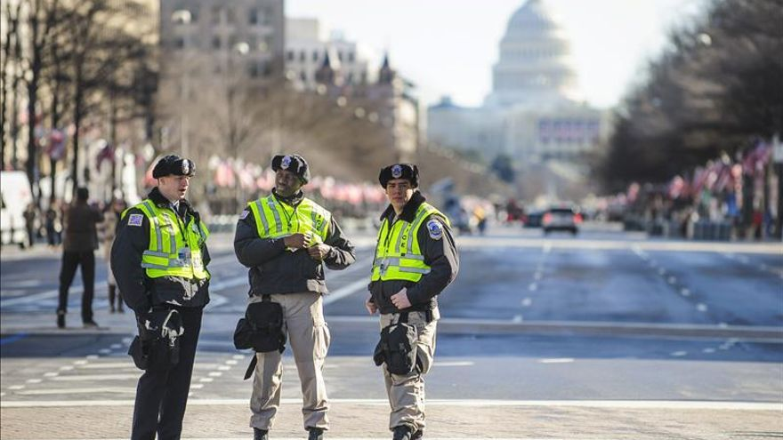 Pompa militar y vigilancia armada para la ceremonia de investidura de Obama